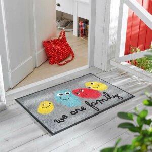 tapis-de-sol-personnalise-maison-entree-happy-family